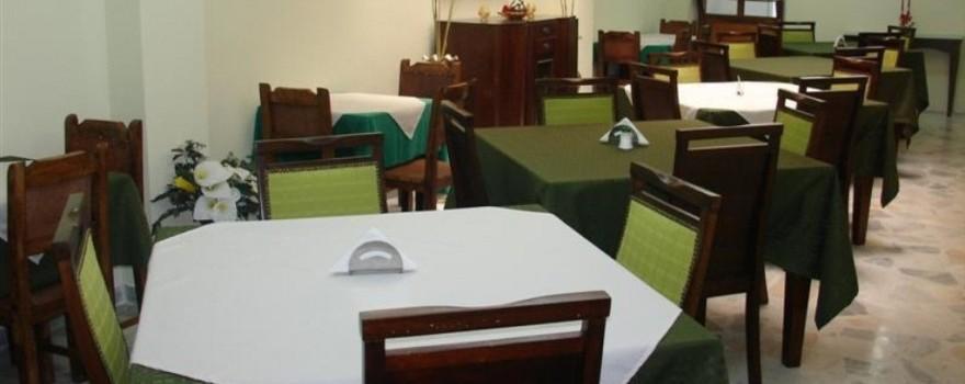 Comedor. Fuente: hotelelbosquearmenia.com